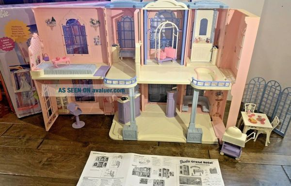 Vintage Barbie Grand Hotel 2001 Fold Up Doll House W Furniture Electronically